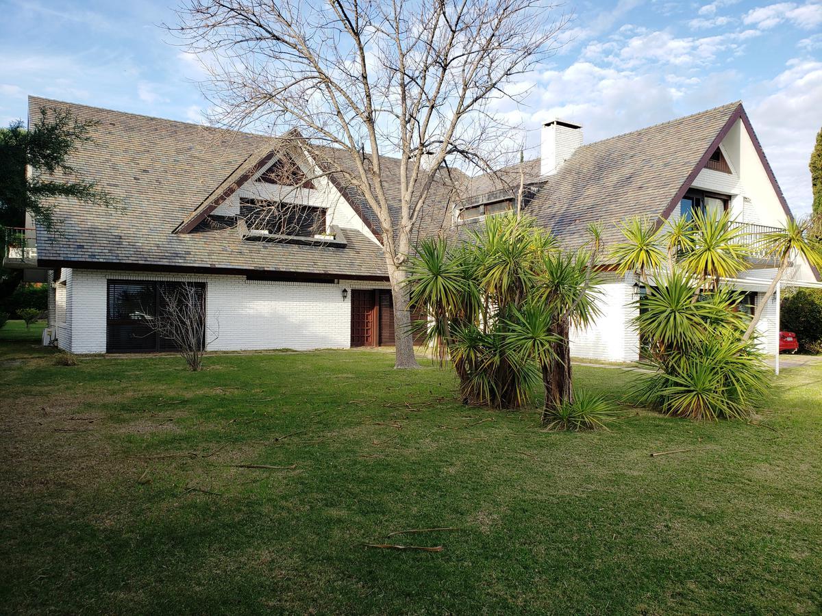 Foto Casa en Venta en  Colonia del Sacramento ,  Colonia  Rambla Costanera