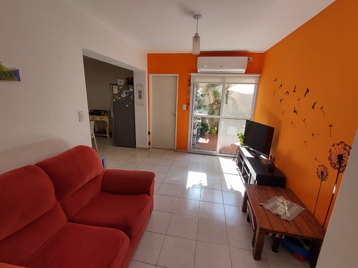 Foto Departamento en Venta en  Esc.-Centro,  Belen De Escobar  Asborno 295