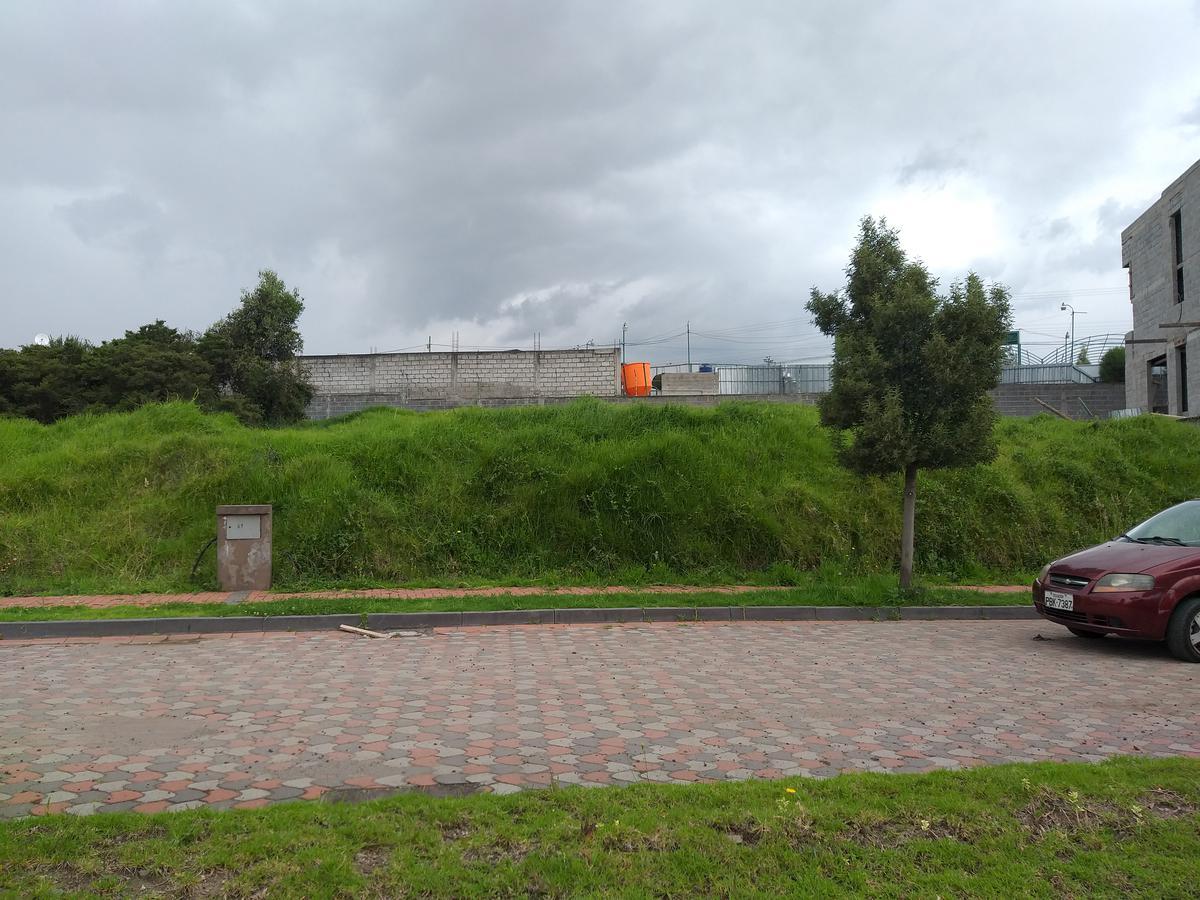 Foto Terreno en Venta en  Los Chillos,  Quito   Sangolqui - Urbanización Navarra 1