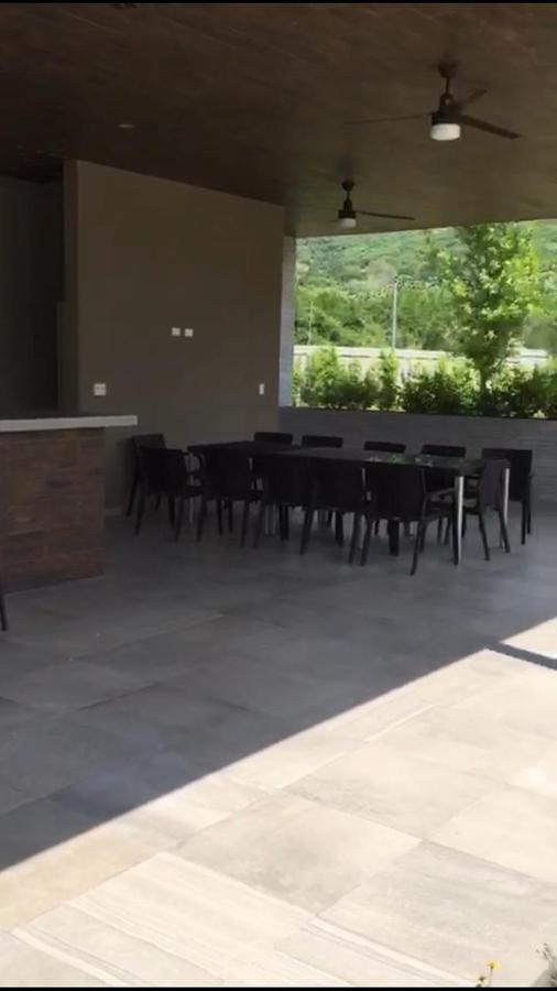 Foto Casa en Venta en  Monterrey ,  Nuevo León  Col. Aires del Vergel