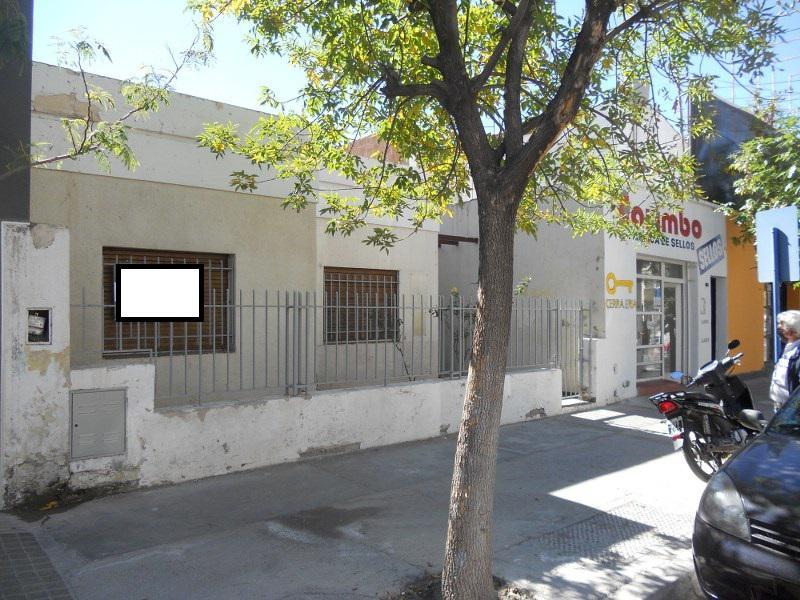 Foto Casa en Venta en  Neuquen,  Confluencia  RIVADAVIA al 300