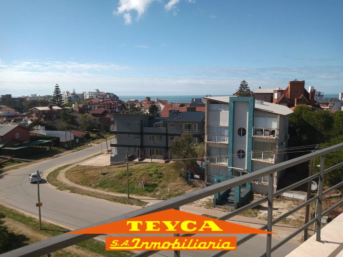 Foto Departamento en Venta en  Ostende ,  Costa Atlantica  Alem esq. Colon