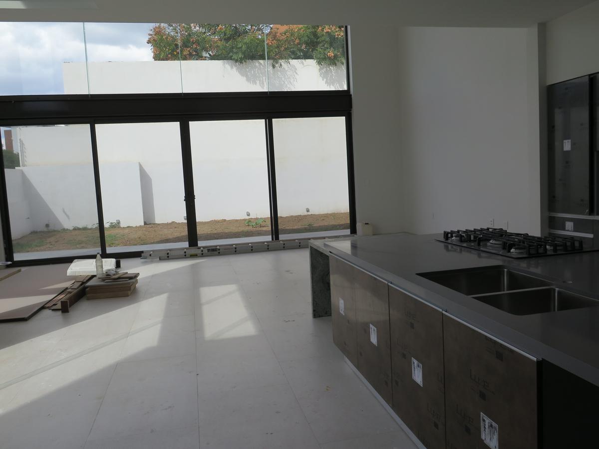 Foto Casa en Venta en  Residencial El Molino,  León  Residencia en VENTA en El Molino Residencial & Golf, a estrenar!!!