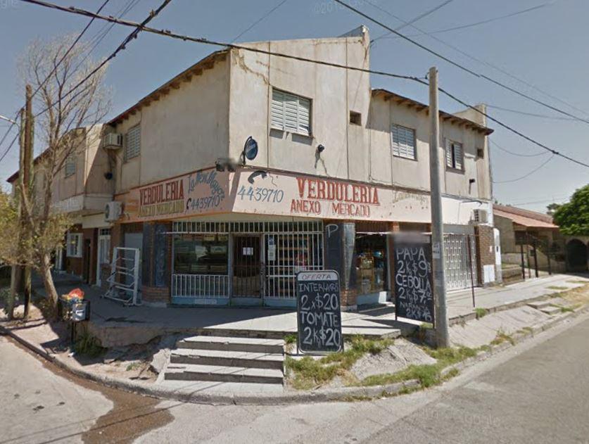 Foto Local en Venta en  Capital ,  Neuquen  Borlenghi y Santa Teresa