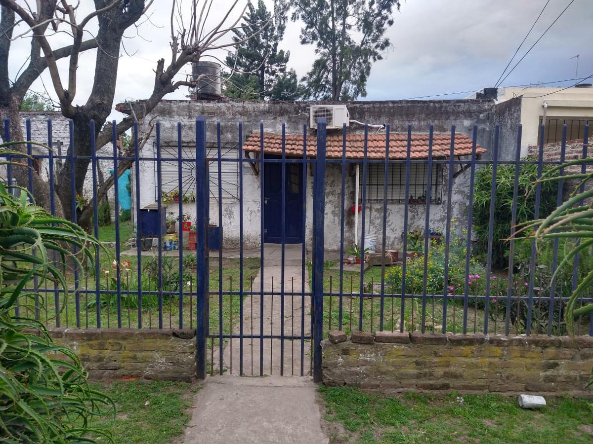 Foto Casa en Venta en  Merlo ,  G.B.A. Zona Oeste  BRUNET al 500