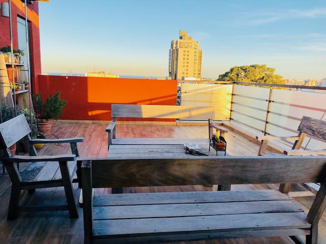 Foto Departamento en Venta en  Pocitos ,  Montevideo  Excelente pent house 2 y serv