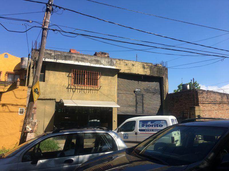 Foto Galpón en Venta | Alquiler en  Martinez,  San Isidro  Juncal 2400