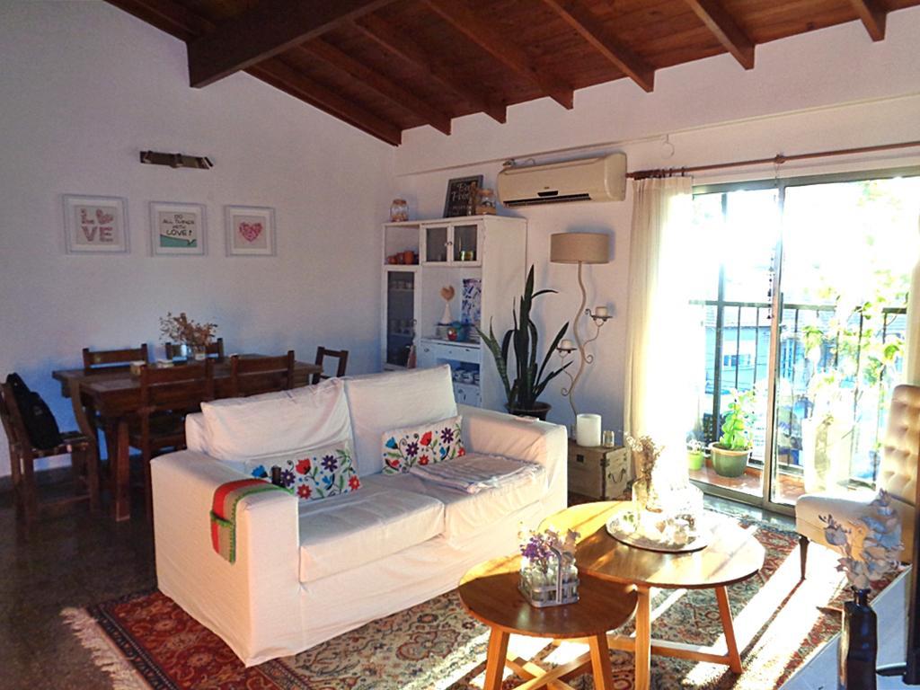 Foto PH en Venta en  Villa Adelina,  San Isidro  Av. de Mayo al 100