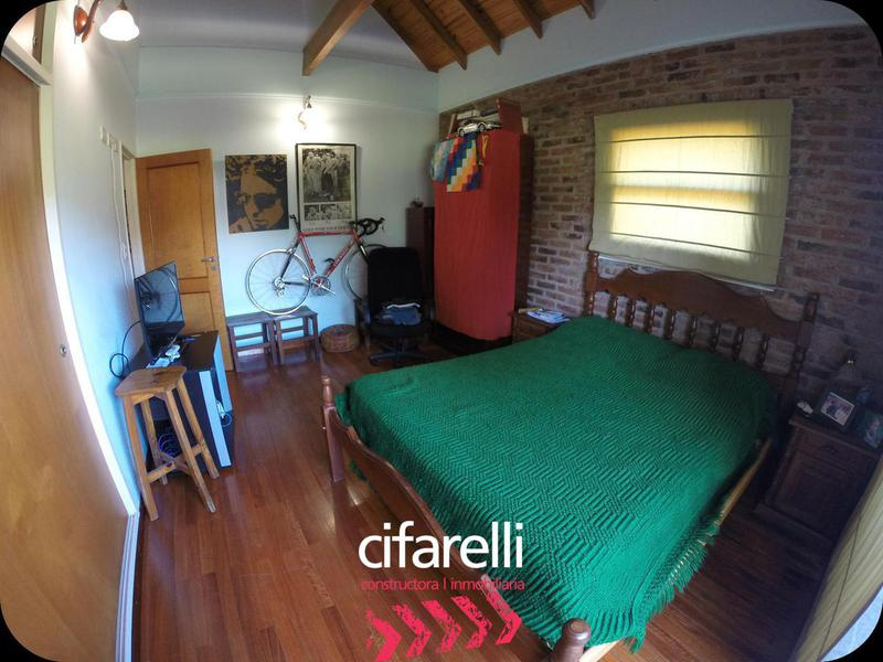 Foto Casa en Venta en  Ezeiza ,  G.B.A. Zona Sur  Blvd. Saint Thomas