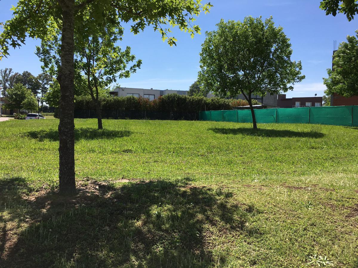 Foto Terreno en Venta en  Las Lomas,  Haras Santa Maria  GIA. Lote en Las Lomas, Haras Santa Maria