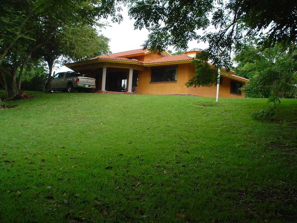 Foto Casa en Renta en  Congregacion Santiago de La Peña,  Tuxpan  CASA EN RENTA  AMUEBLADA EN  CLUB   CAMPESTRE