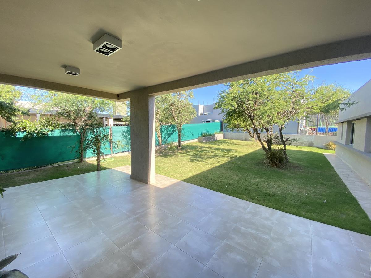 Foto Casa en Venta en  Las Cañitas Barrio Privado,  Malagueño  Casa en Cañitas! - 3 dorm - 3 Baños - Divina!! Escucha Ofertas