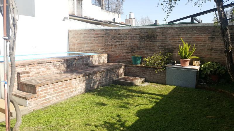 Foto Casa en Venta en  Lomas de Zamora Oeste,  Lomas De Zamora  ALMAFUERTE al 600