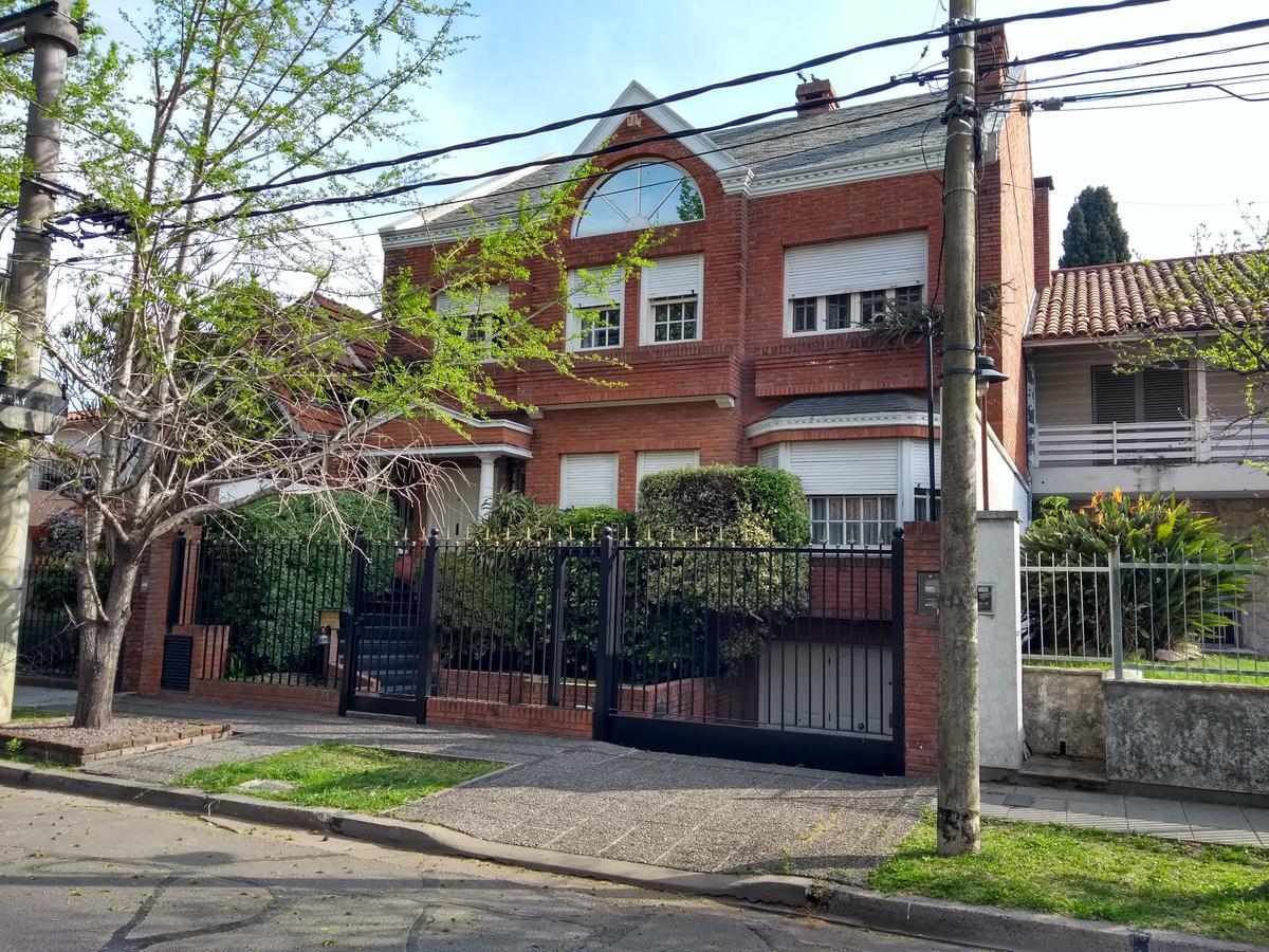 Foto Casa en Venta en  Olivos-Uzal/Panam.,  Olivos  Fray Justo Sarmiento al 2600