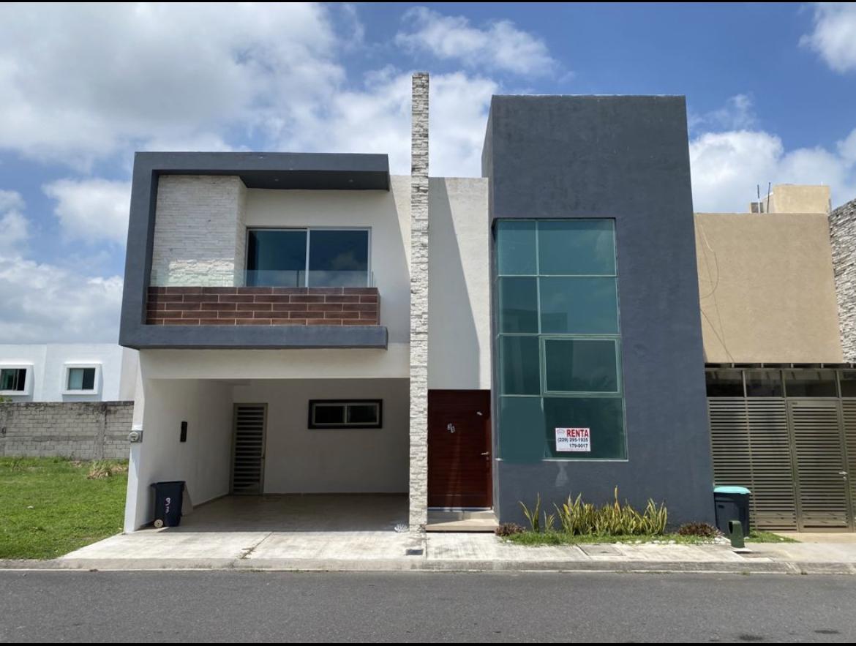Foto Casa en Renta en  Lomas del Mar,  Alvarado  LOMAS DEL MAR, Casa en RENTA con jardín, terraza y cuarto de servicio