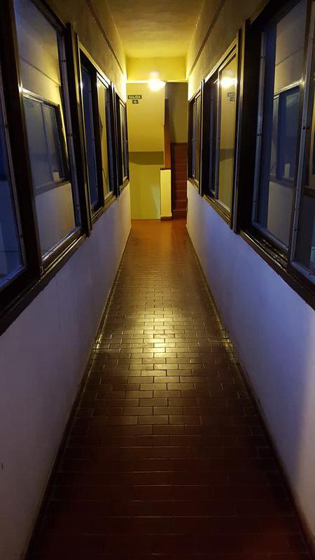 Foto Departamento en Venta en  Moreno,  Moreno  Dpto. en 1er. Piso - Uruguay al 100 - Lado Norte Moreno