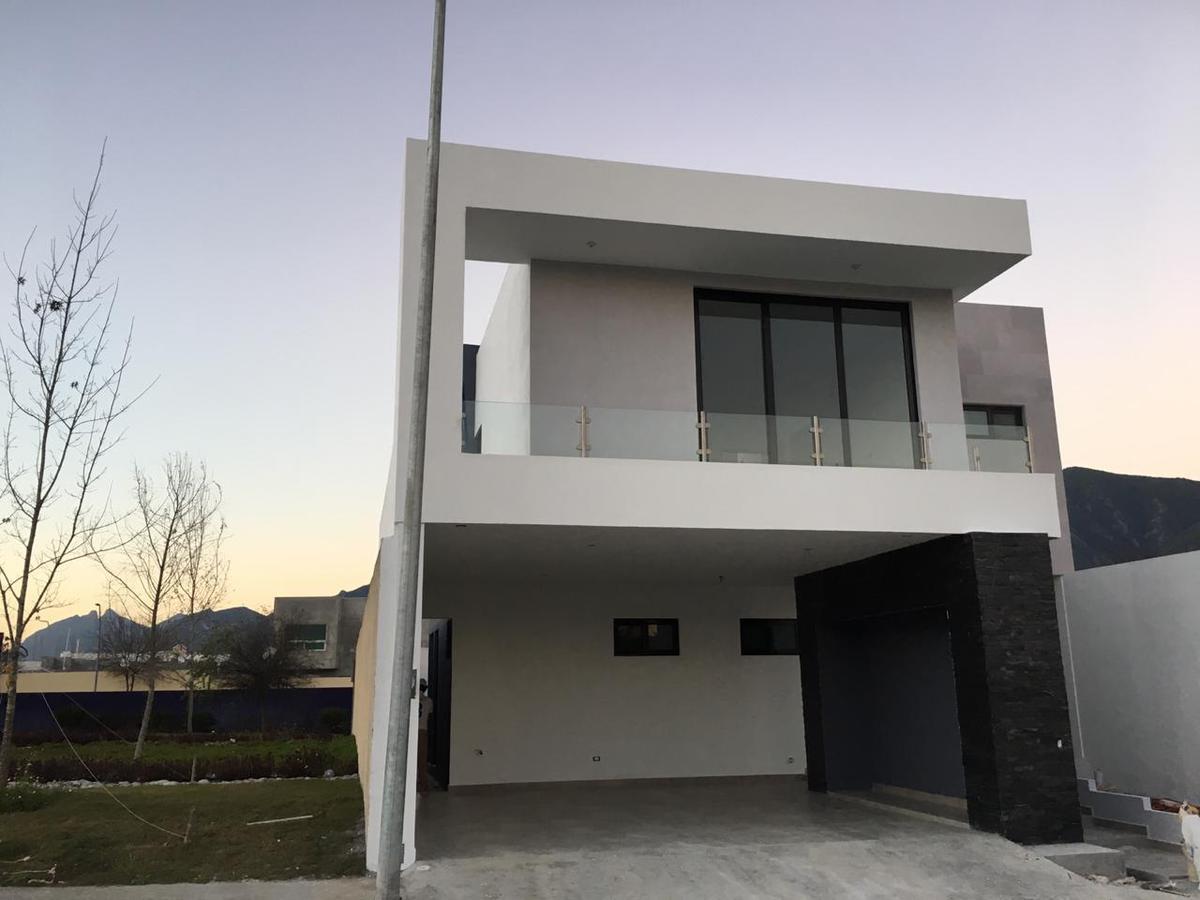 Picture House in Sale in  Amorada Residencial,  Santiago  AMORADA RESIDENCIAL