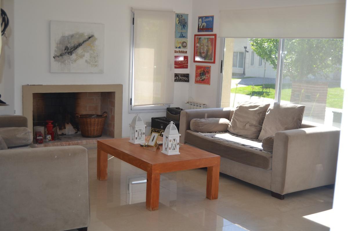 Foto Casa en Venta en  Las Tipas,  Nordelta  Tipas 458