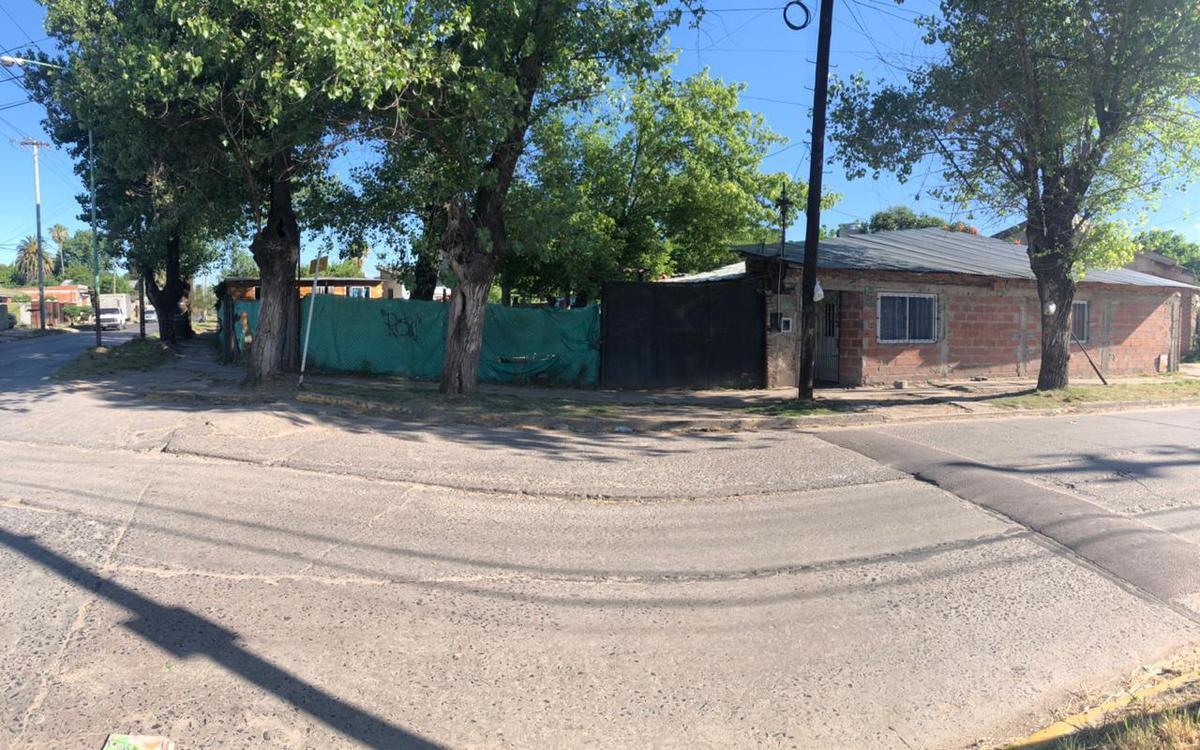 Foto Casa en Venta en  Merlo ,  G.B.A. Zona Oeste  BURELA al 600