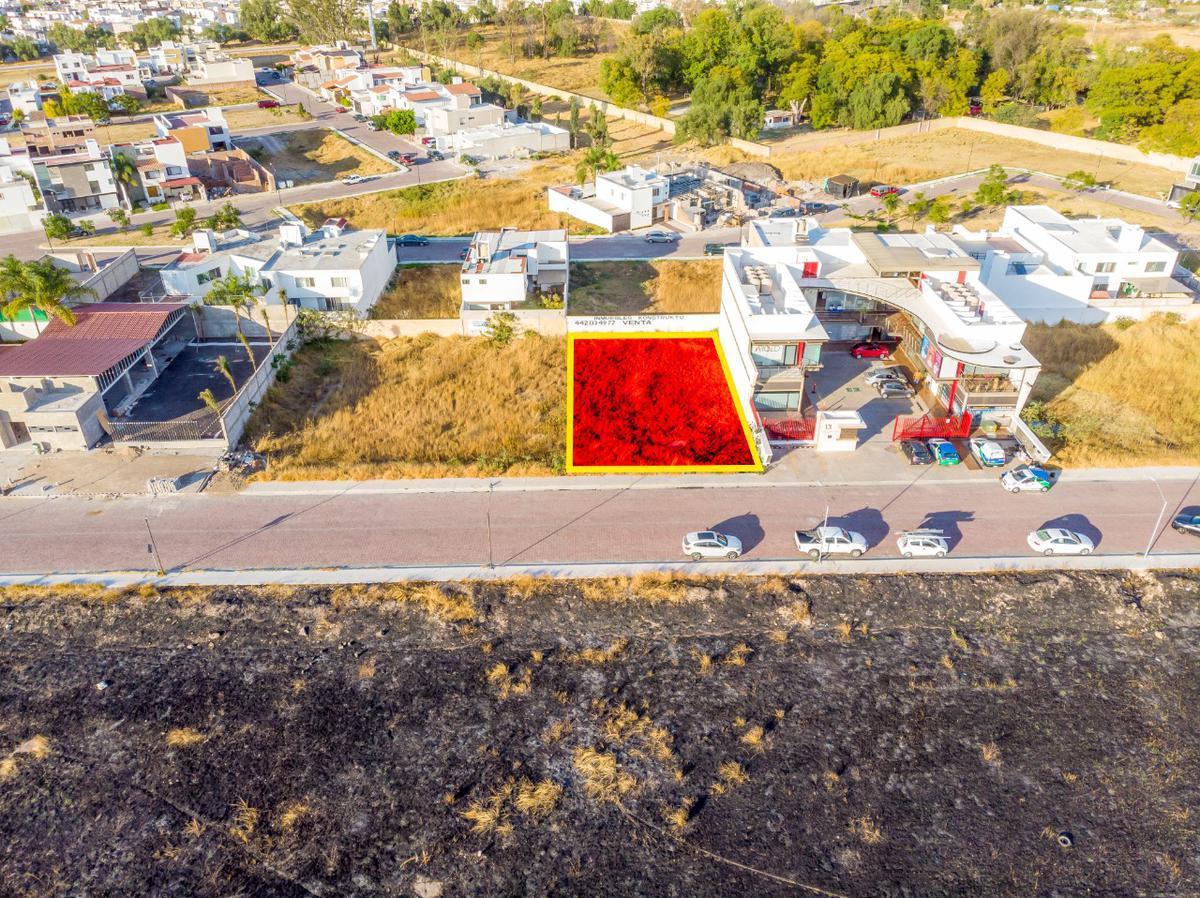 Foto Terreno en Venta en  Fraccionamiento Las Trojes,  Corregidora  LOTE EN VENTA COMERCIAL Y DE SERVICIOS  PROLONGACION CONSTITUYENTES