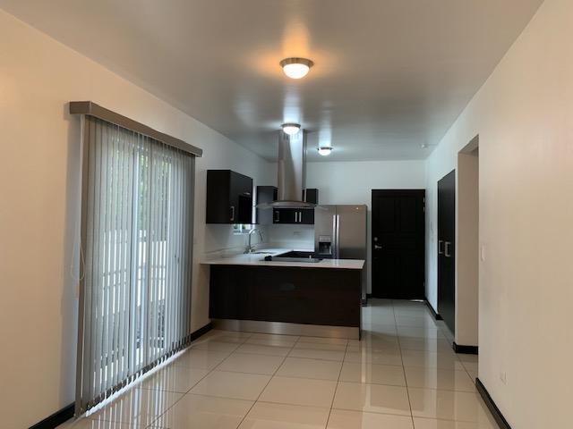 Foto Departamento en Renta en  Piedades,  Santa Ana  Apartamento en Piedades de Santa Ana 2 habitaciones/ Línea blanca