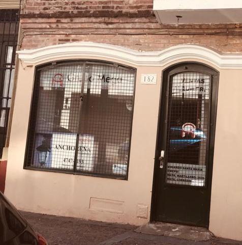 Foto Local en Alquiler en  San Isidro,  San Isidro  Ituzaingo al 100