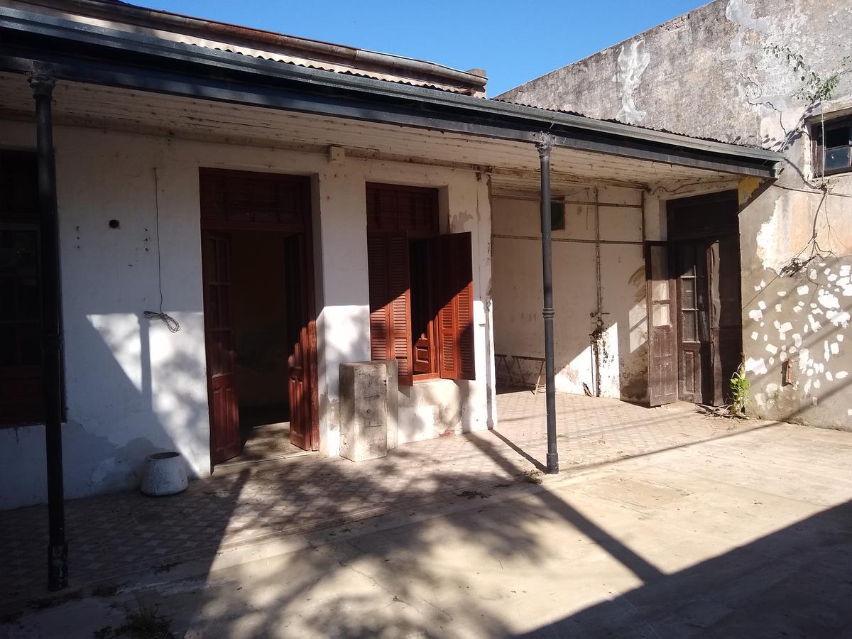 Foto Local en Alquiler en  Santa Fe,  La Capital  AV GRAL PAZ al 6000