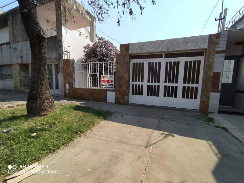 Foto Casa en Venta en  Rosario ,  Santa Fe  Pasaje Humbolt al 4000