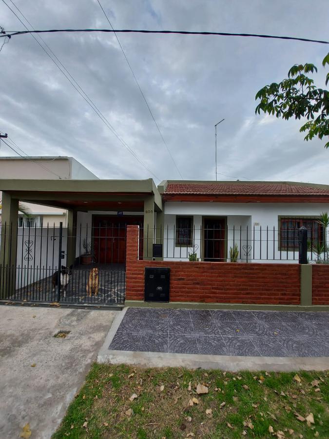 Foto Casa en Venta en  Villa Elvira,  La Plata  92 e 7 y 9 n 630