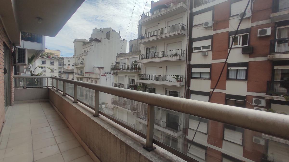 Foto Departamento en Venta en  Recoleta ,  Capital Federal  Ayacucho al 1300
