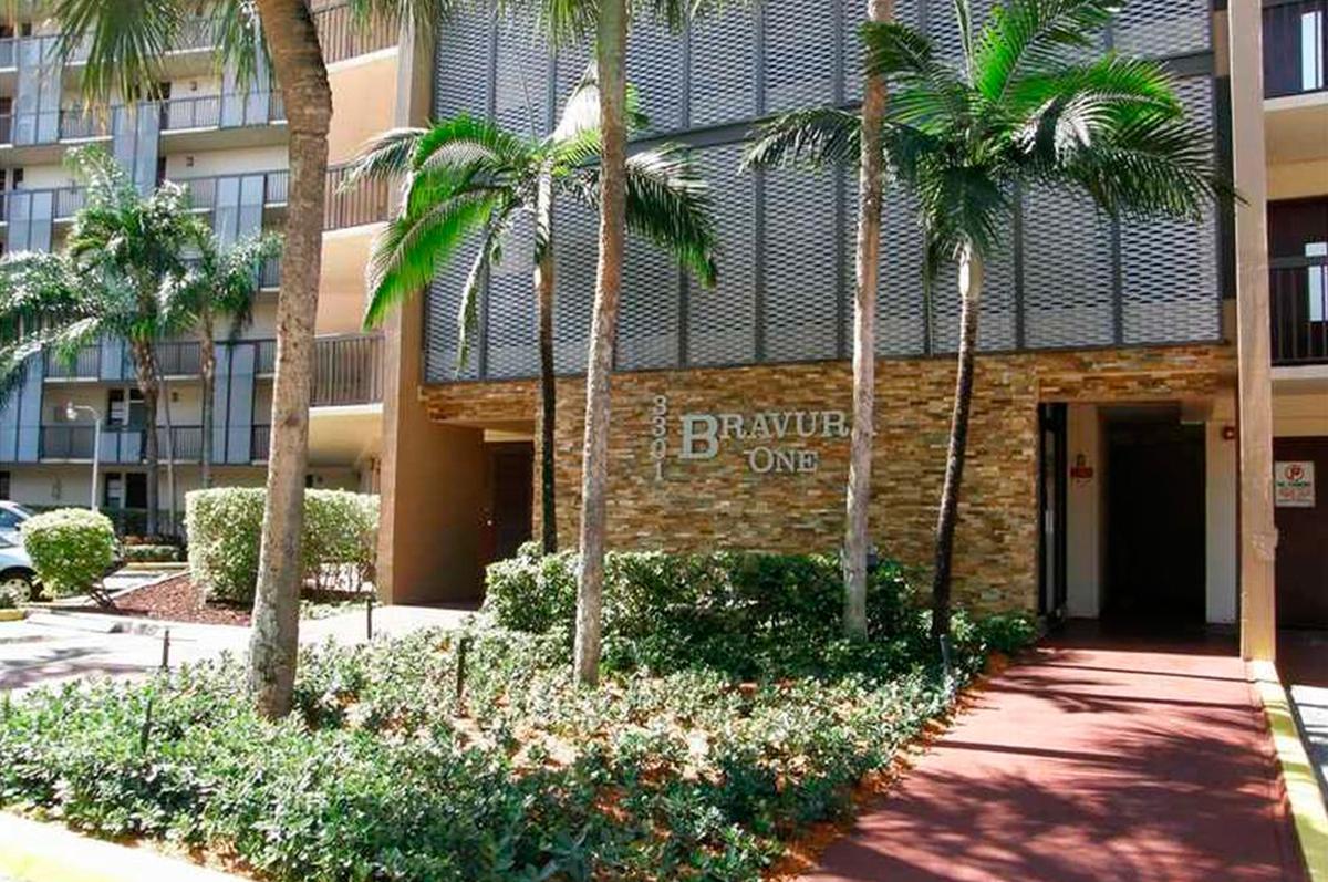 Foto Departamento en Venta |  en  Aventura,  Miami-dade  Country Club Dr  al 3300
