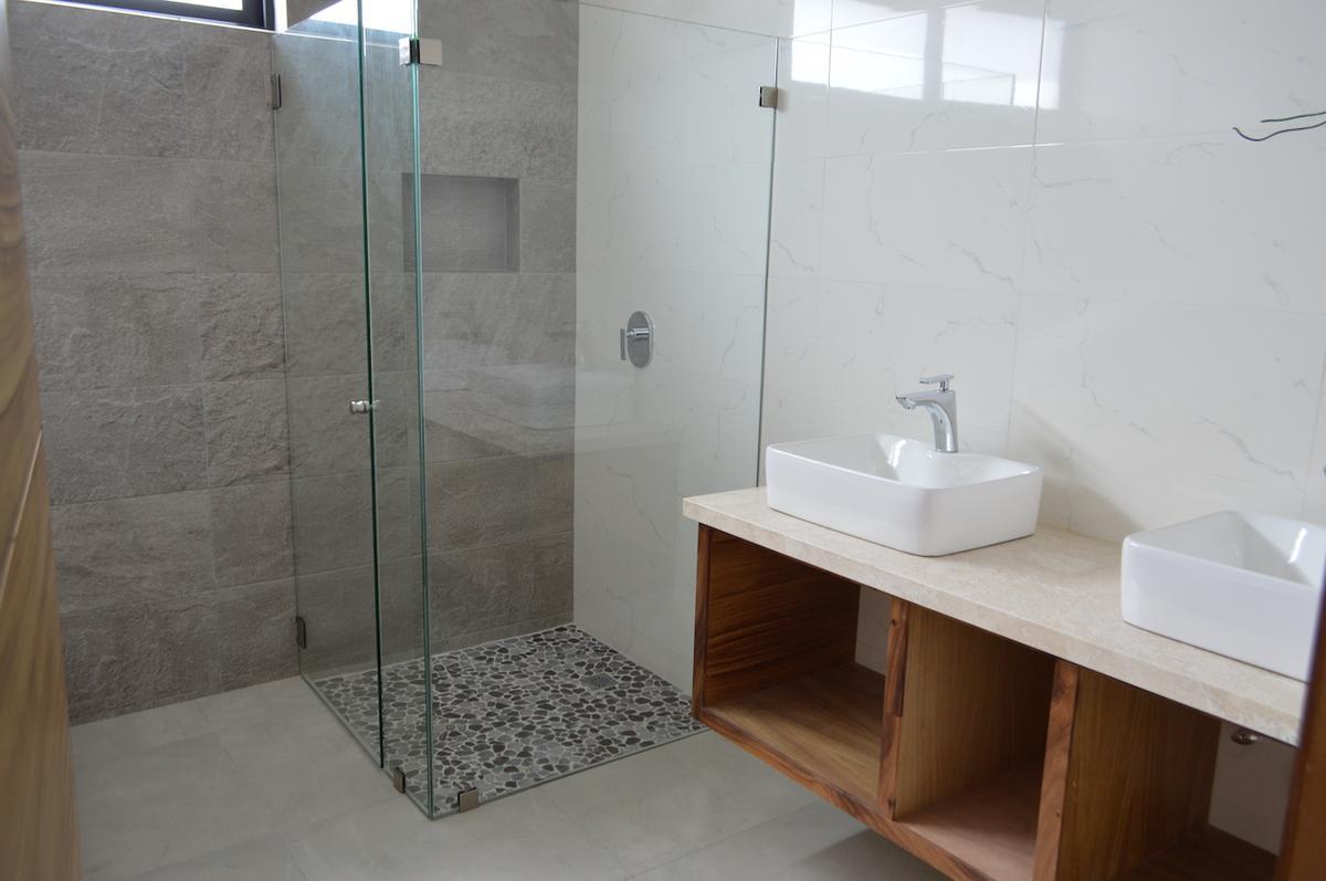Foto Casa en Venta en  Fraccionamiento Valle Imperial,  Zapopan  Formosa 630 103