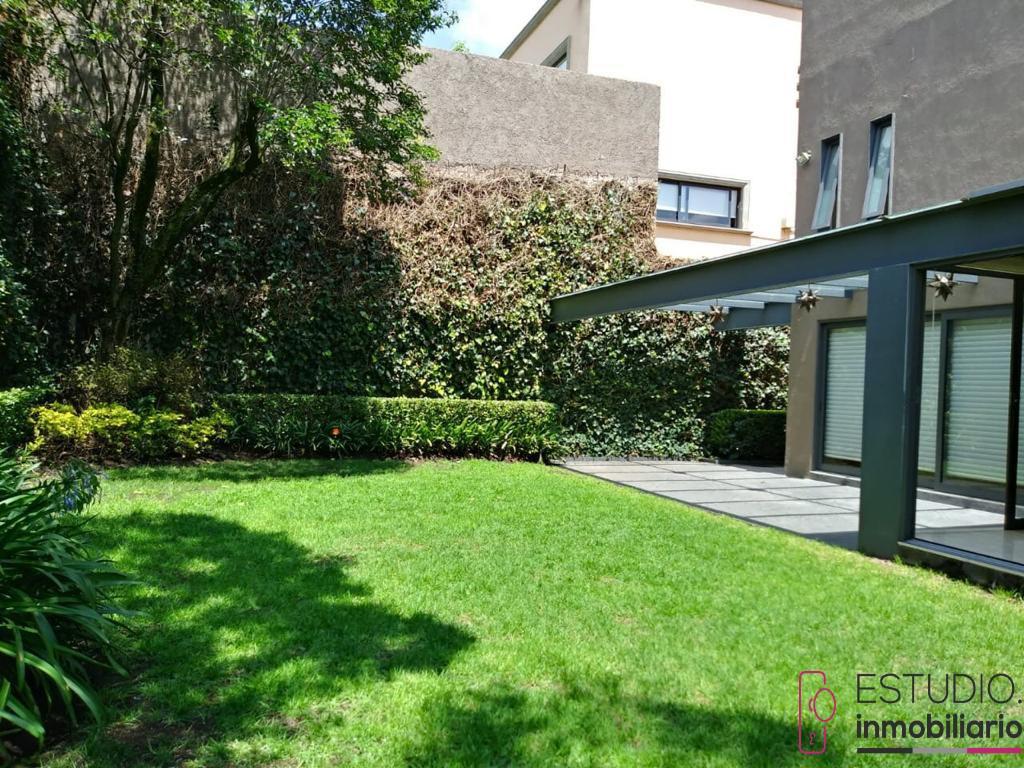 Foto Casa en Venta en  Cuajimalpa de Morelos ,  Distrito Federal  CASA EN VENTA BOSQUE DE LAS LOMAS. proyecto contemporáneo ,jardín, amplios espacios.
