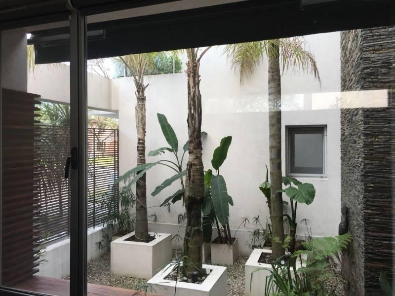Foto Casa en Venta en  Santa Barbara,  Countries/B.Cerrado (Tigre)  Barrio Santa Barbara al 100