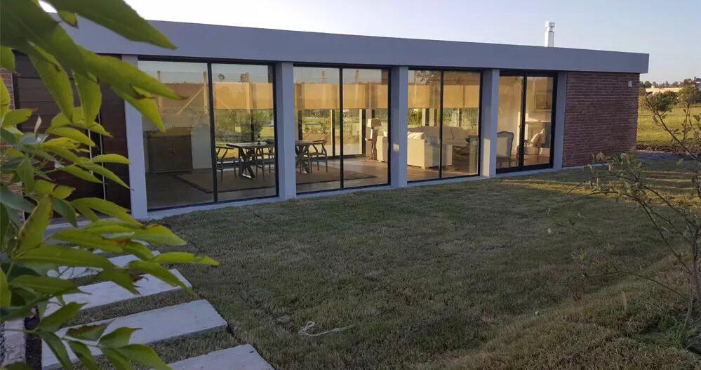 Foto Casa en Venta en   Colinas de Carrasco,  Countries/B.Cerrado  Colinas de Carrasco