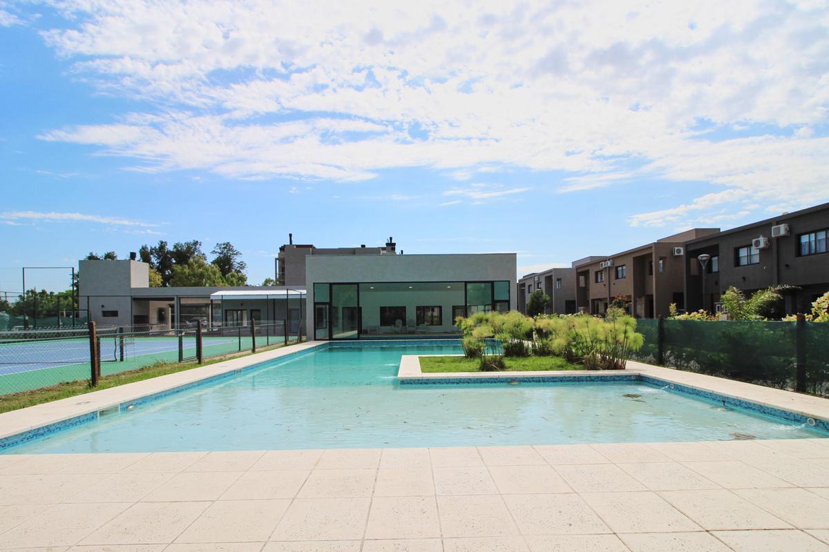 Foto Casa en Venta en María Eugenia Residences and Village, Moreno | Countries/B.Cerrado (Moreno) | Maria Eugenia Residences & Village
