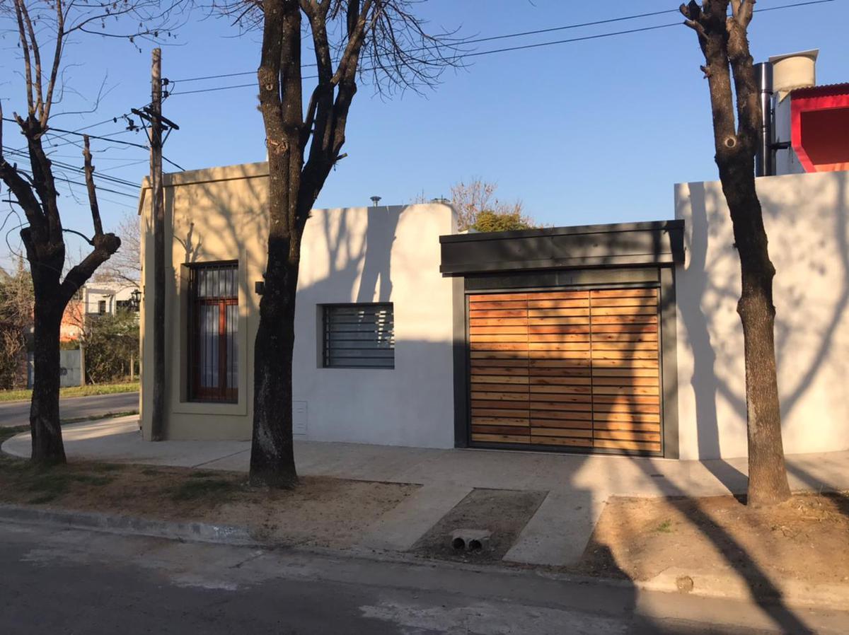 Foto Casa en Venta en  Colon,  Colon  Artigas y Tucuman