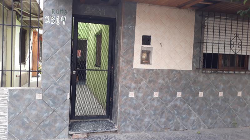 Foto Departamento en Venta en  Casanova Centro,  Isidro Casanova  Roma al 2300
