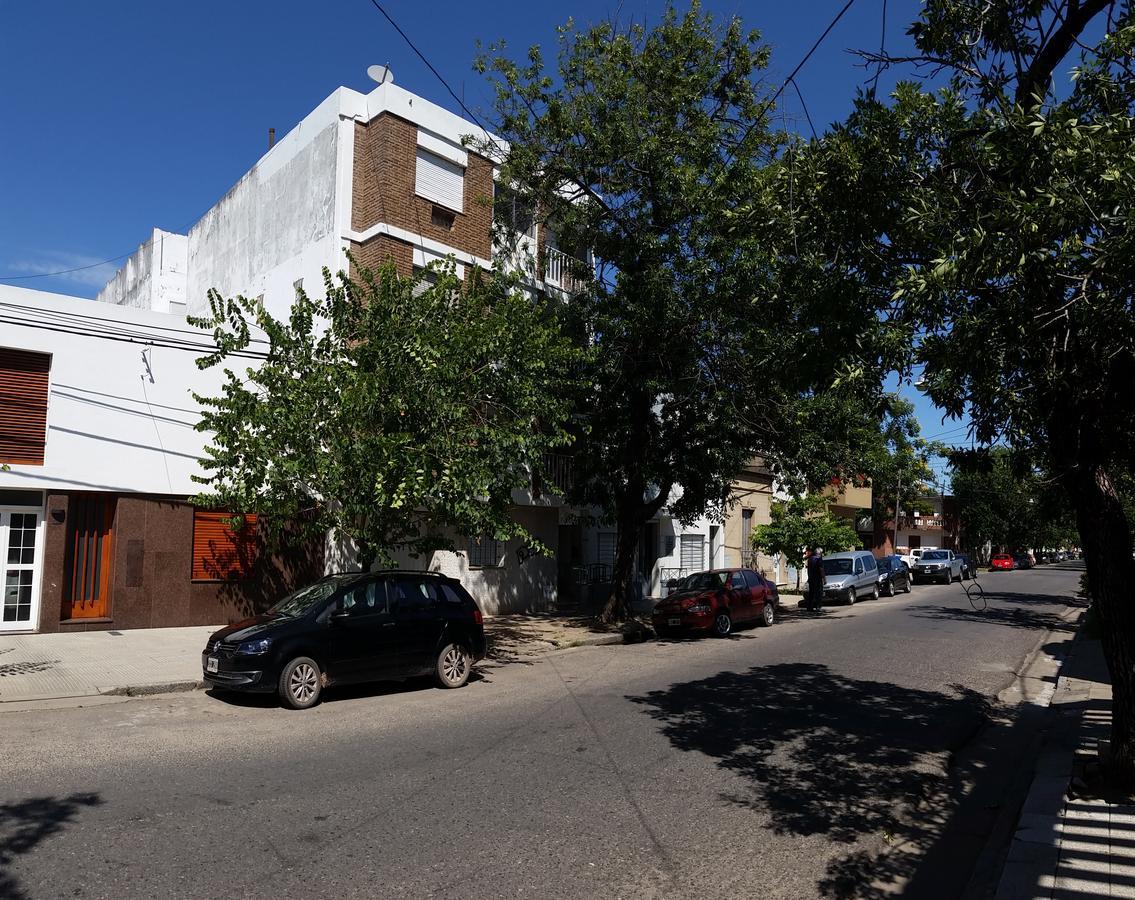 Foto Departamento en Alquiler en  Constituyentes,  Santa Fe  Bien equipado COCINA EXTRACTOR y dormitorio con PLACARD, cerca del Centro santafesino y Recoleta