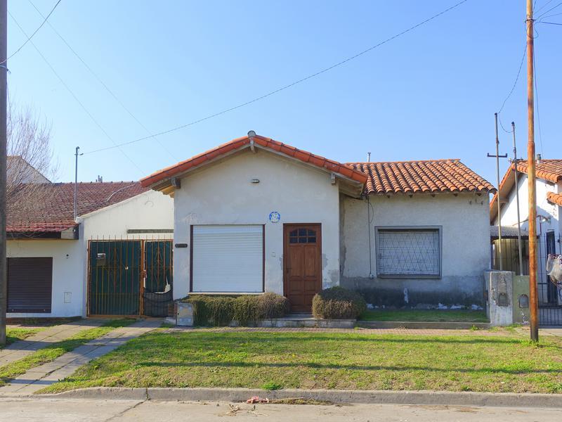 Foto Casa en Venta en  Mundialista,  Mar Del Plata  Ciudad de Dolores entre Lebenshon y Puan