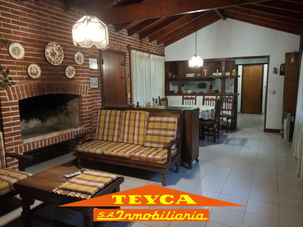 Foto Casa en Venta en  Centro,  Pinamar  Tiburon 385 E/ Mejillon y Cangrejo