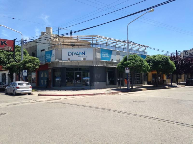 Foto Local en Venta en  Área Centro Sur,  Capital  Ruta 22 esquina San luis al 200
