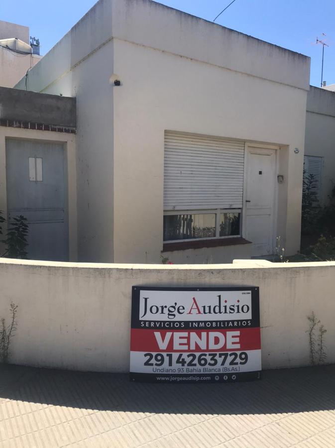 Foto Casa en Venta en  Bahia Blanca ,  Interior Buenos Aires  San juan  al 300
