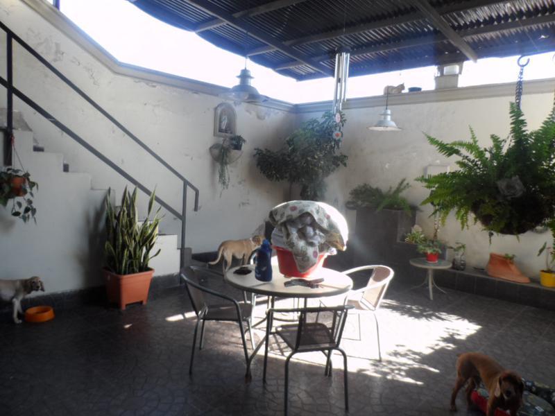 Foto Casa en Alquiler en  El Bosque,  San Miguel De Tucumán  San Martín al 1100