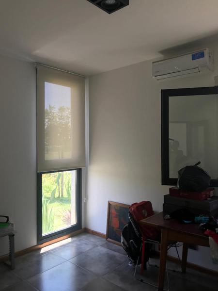 Foto Casa en Venta en  Valdevez,  Tristan Suarez  Oportunidad! Moderna y luminosa casa en el Barrio Privado Valdevez
