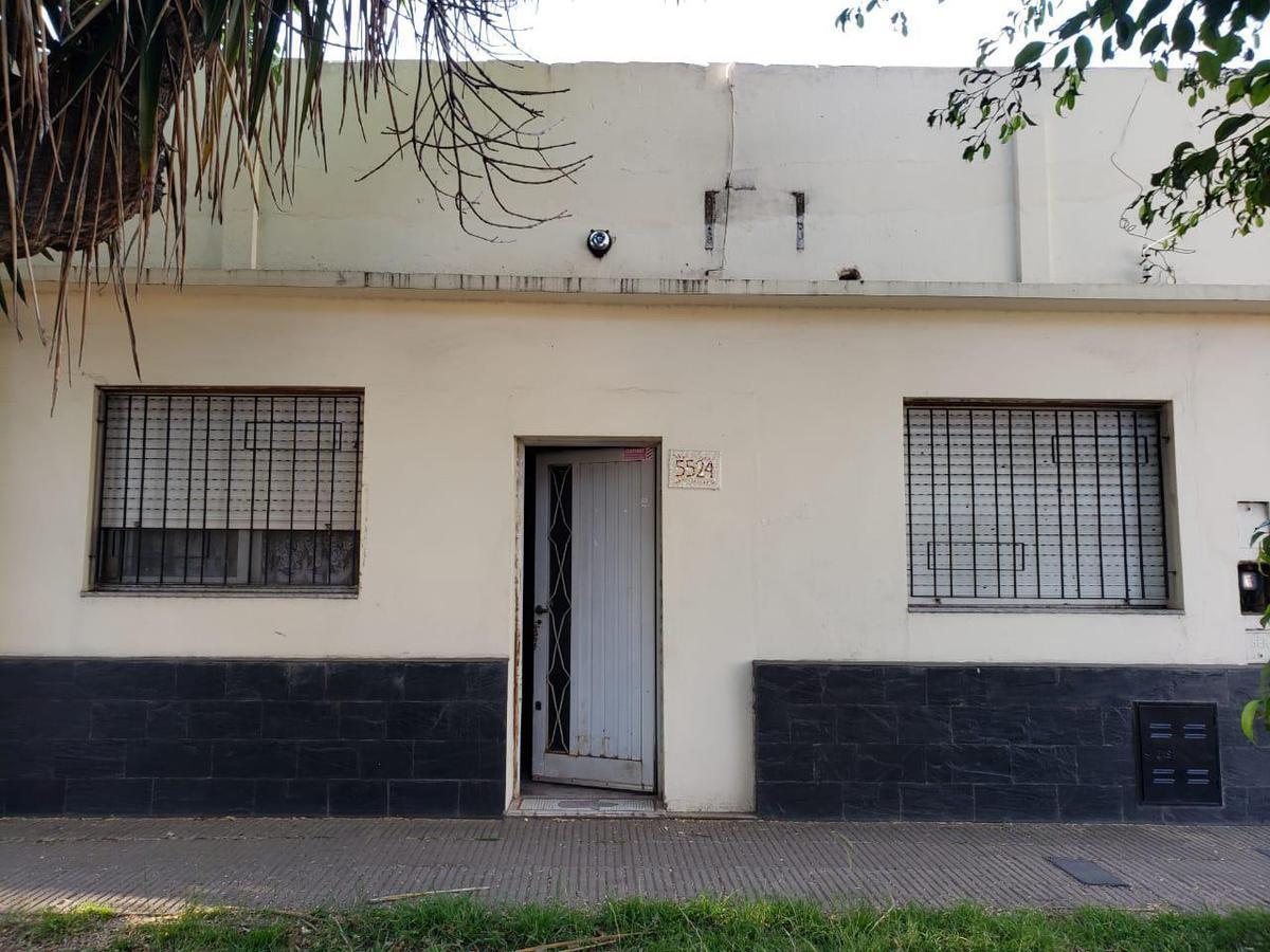 Foto Casa en Venta en  Azcuenaga,  Rosario  RIOJA al 5500