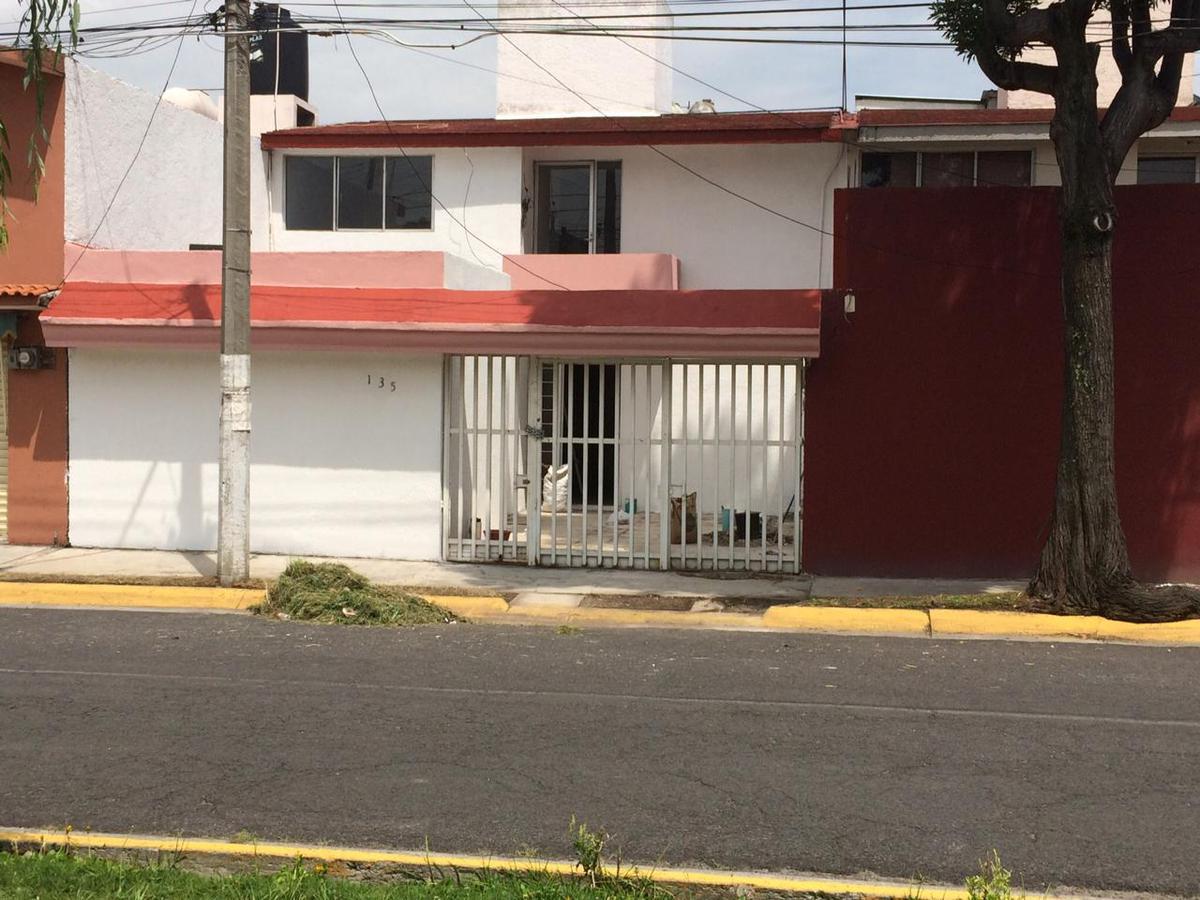Foto Casa en Renta en  Las Haciendas,  Toluca  Amplia casa en Renta las Haciendas Metepec