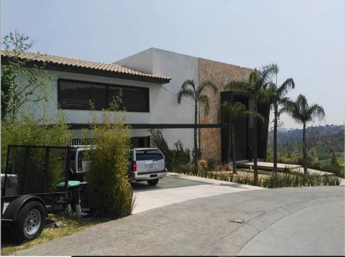 Foto Villa en Venta en  Corregir Ubicación ,  Ciudad de Mexico  VILLA  DE 5 RECAMARAS A LA VENTA CON BITCOIN EN  BOSQUE  REAL EN LA CIUDAD DE MEXICO