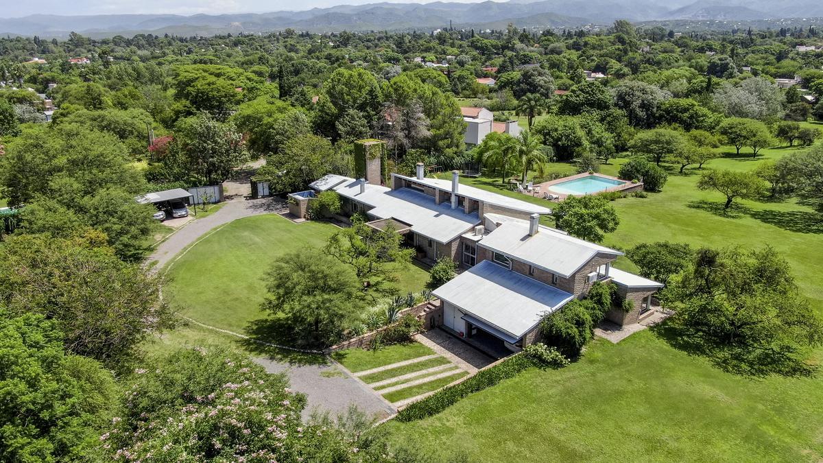 Foto Casa en Venta en  Villa Allende Golf,  Villa Allende  Una casa sin igual en Villa Allende Golf  - 8.314 m2