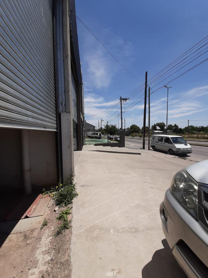 Foto Galpón en Alquiler en  Melchor Romero,  La Plata  al 500